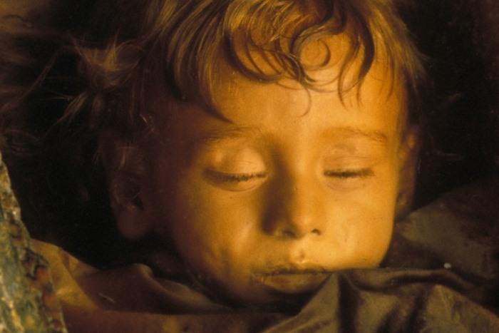 Спящая красавица - идеально сохранившаяся мумия двухлетней девочки