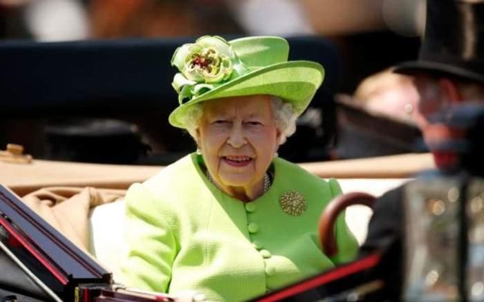 Королева Елизавета приняла участие в торжественной процессии.