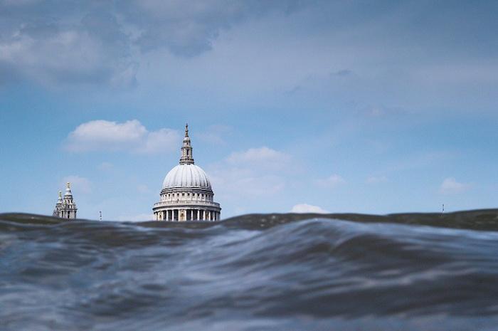 Достопримечательности Лондона и волны Темзы