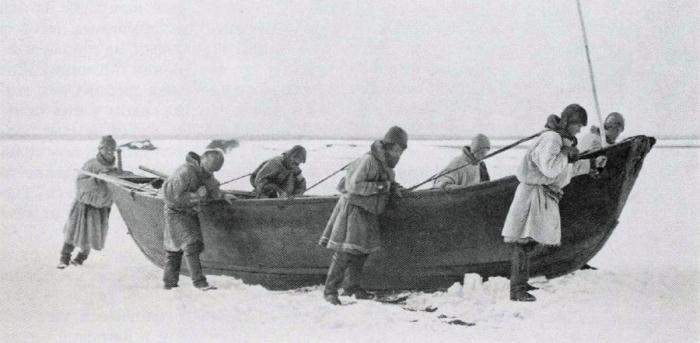 Русскоустьинцы - охотники и рыболовы.