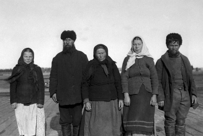 Русскоустьинцы - потомки новгородцев.