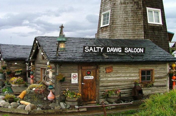 Старейший бар и маяк на Аляске
