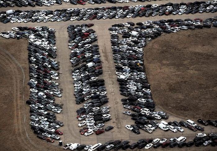 Все автомобили планируется распродать на Интернет-аукционе до апреля 2013 года