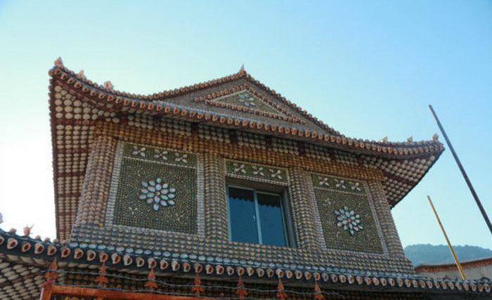 Дом, украшенный ракушками (Китай)