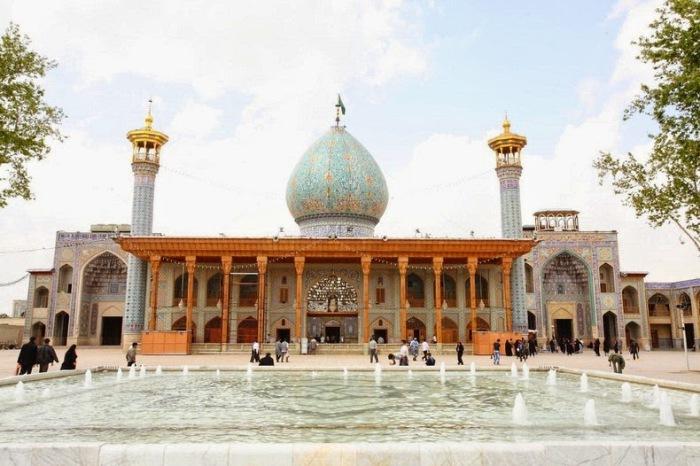 Шах-Черах - красивейшая зеркальная мечеть