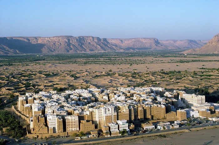 Шибам - старейший город небоскрёбов в мире