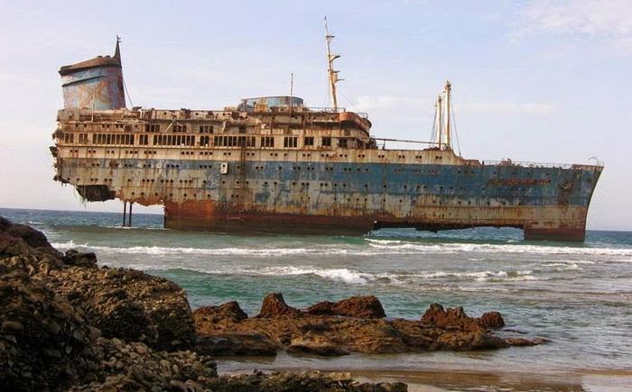 Затонувшее океанский лайнер «SS America»