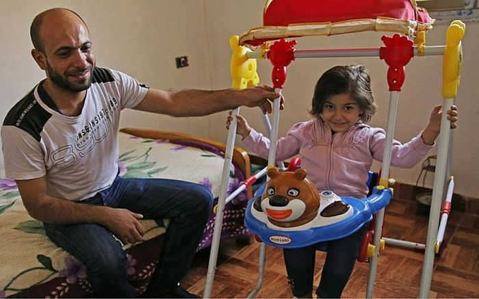 Абдул Халим аль-Аттар счастлив, что может обеспечить нормальные условия жизни для своих детей.