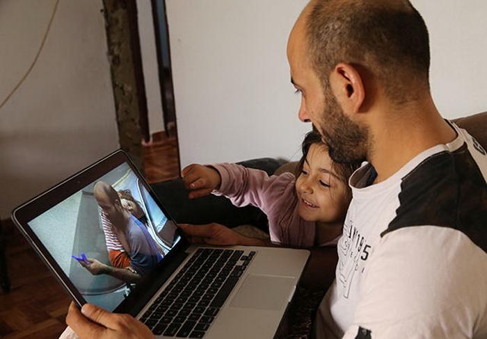Аттар и его дочь вспоминают, через что им пришлось пройти.