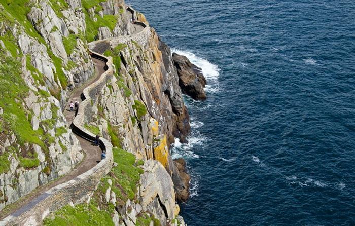 Непростая дорога к монастырю