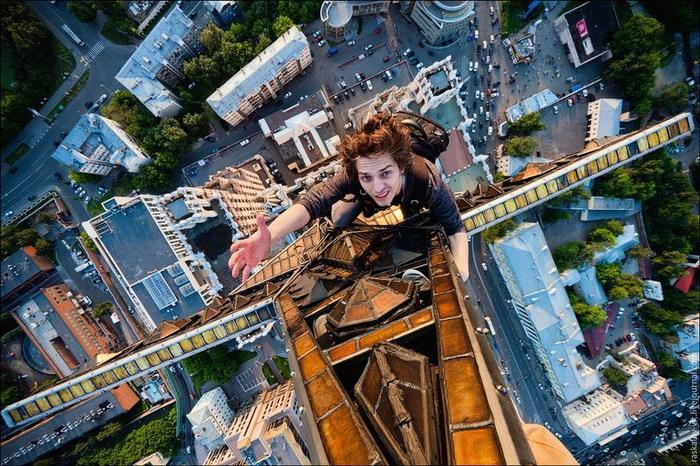 Skywalking по-русски. Экстремальные фотографии Виталия Раскалова и Александра Ремнева