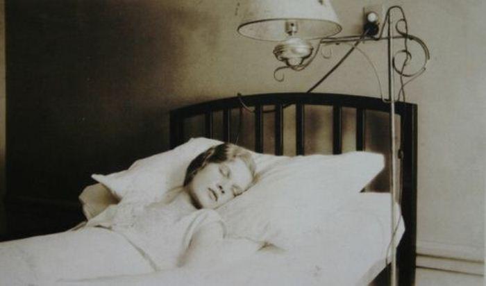 Эпидемия сонной болезни в начале ХХ века унесла более 1 млн жизней.