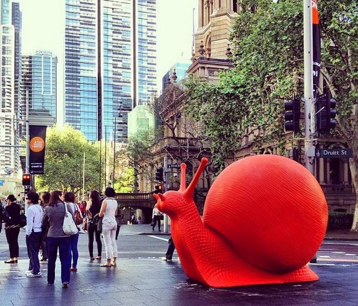 Гигантские пластиковые улитки на улицах Сиднея