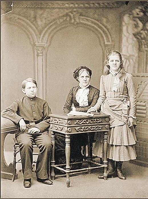 Анна Сниткина с детьми