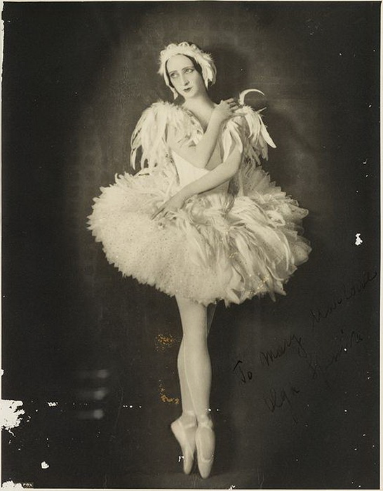 Ольга Спесивцева в балете *Умирающий лебедь*. Фото сделано в 1934 году.