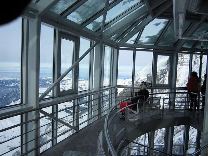 Со смотровой площадки обсерватории *Сфинкс* открывается замечательный вид на Альпы