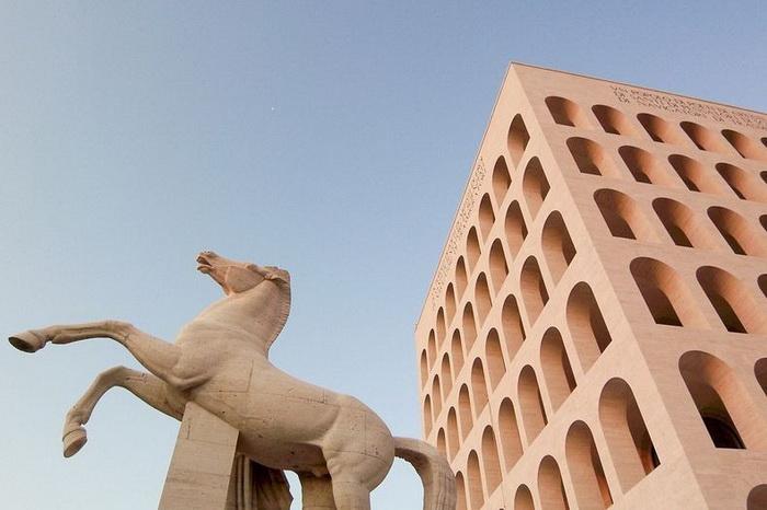 Квадратный Колизей - итальянский памятник фашистской архитектуры