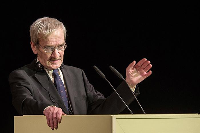 Станислав Петров во время публичного выступления. Фото: aif.ru