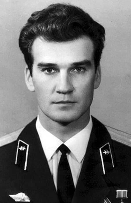 Портрет Станислава Петрова в молодости. Фото: 9gag.com