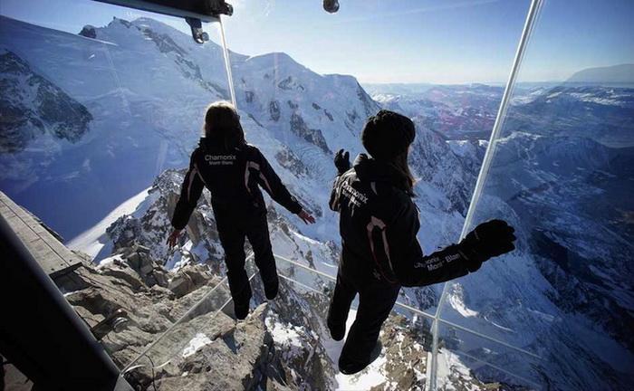 Шаг в пустоту: головокружительная смотровая площадка во французских Альпах