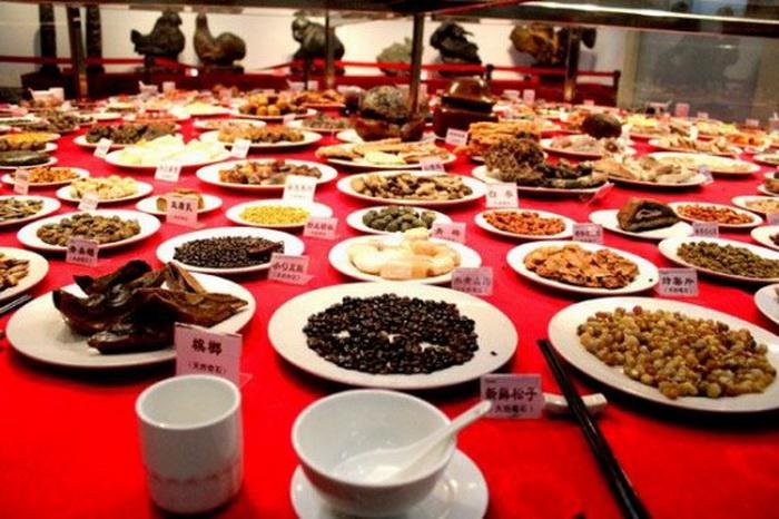 Каменный банкет в Китае