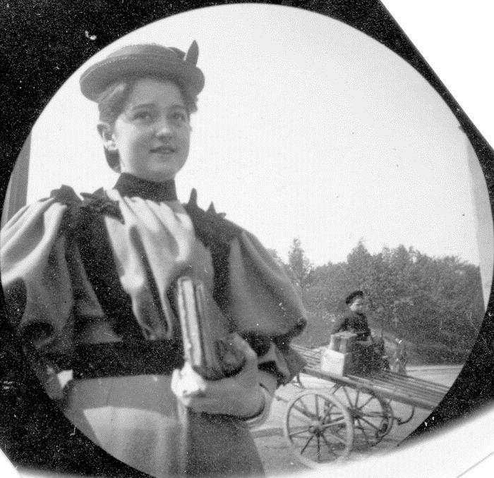 Карл Стермер делал фотографии сразу после приветствия.