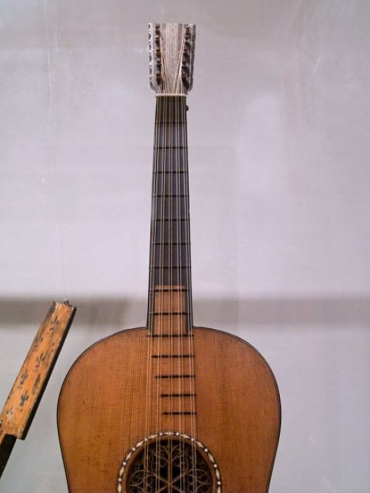 Гитара Страдивари.