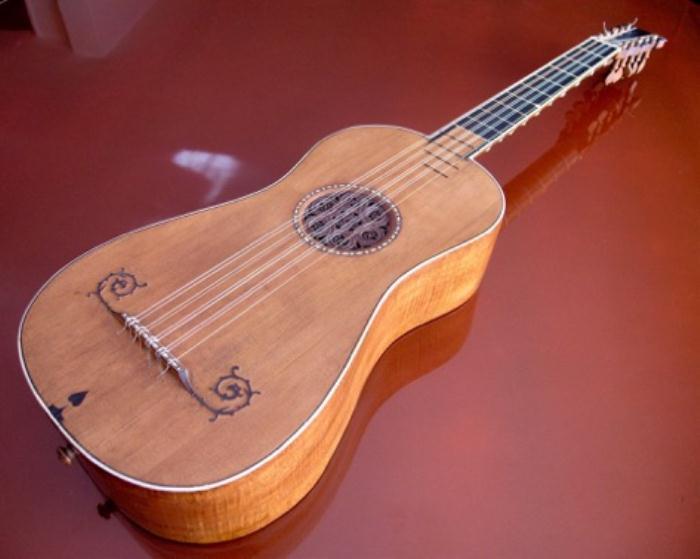 Гитара Антонио Страдивари.