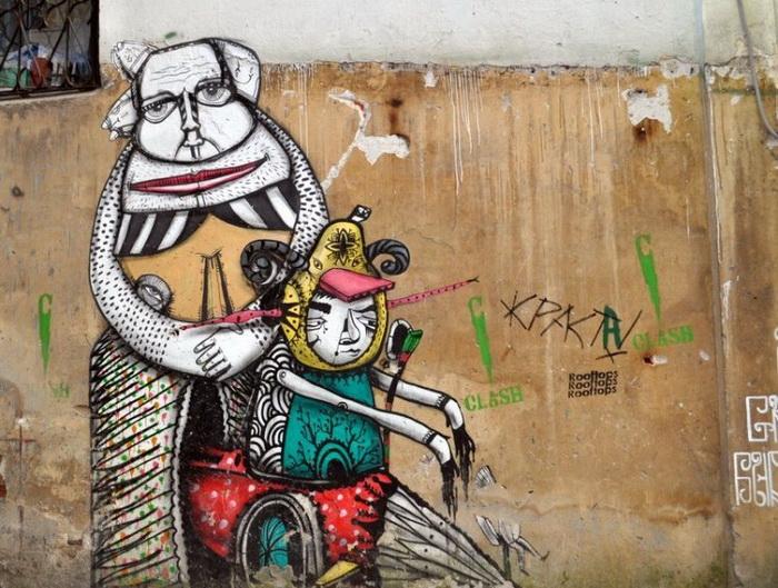 Необычный стрит-арт в одном из московских дворов