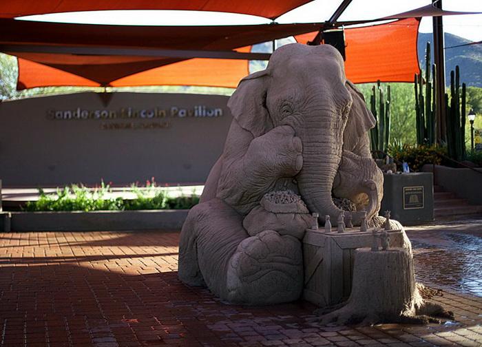 Песочная скульптура в натуральную величину