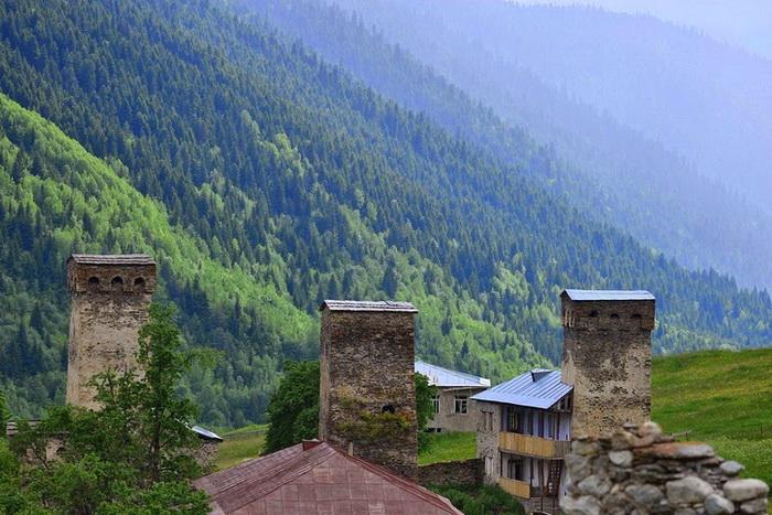 Старинные каменные башни Сванетии (Грузия)