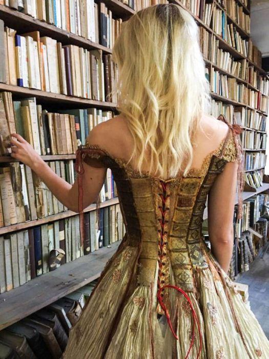 Книжное платье.