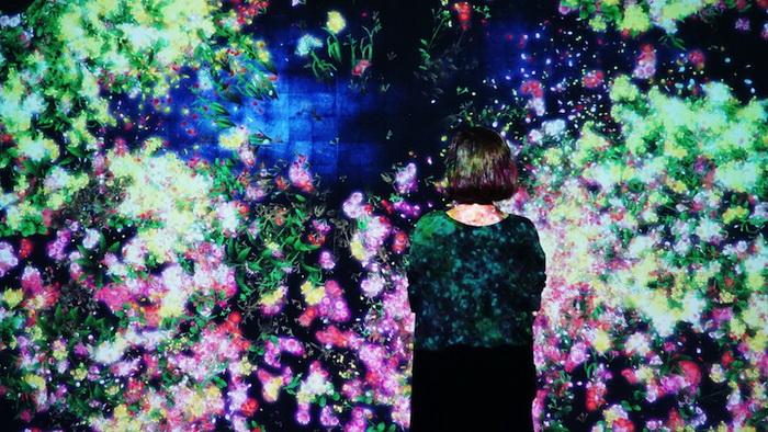 Цветочная инсталляция от японской команды teamLab
