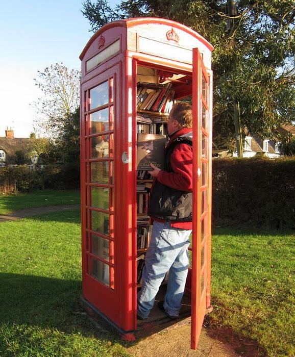 в телефонной будке