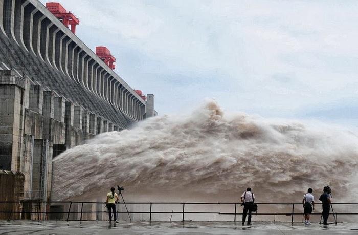 Плотина Три ущелья - крупнейшая электростанция в мире