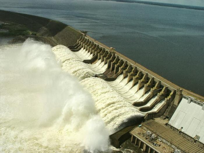 Плотина Тукуруи (Бразилия)