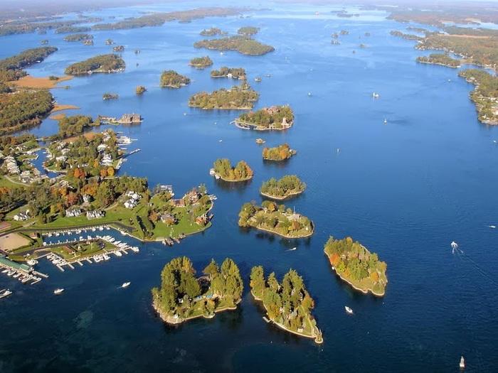 Архипелаг состоит из 1864 островов