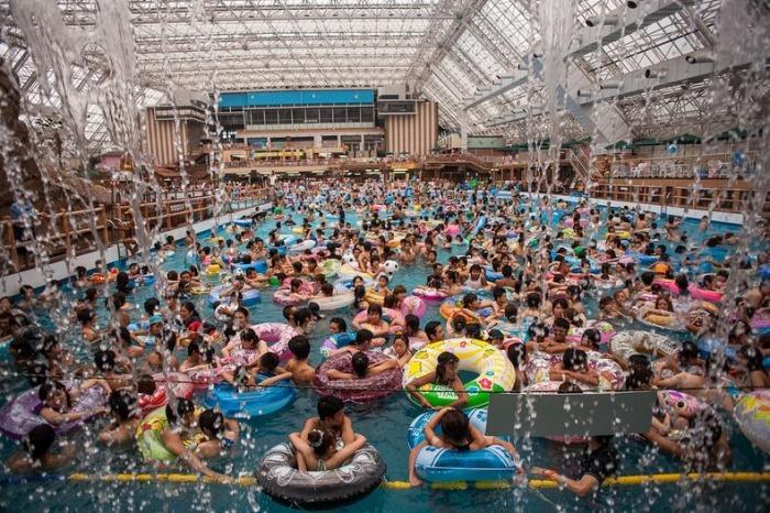 Проблема *перенасыщенности* бассейнов актуальна и для Японии