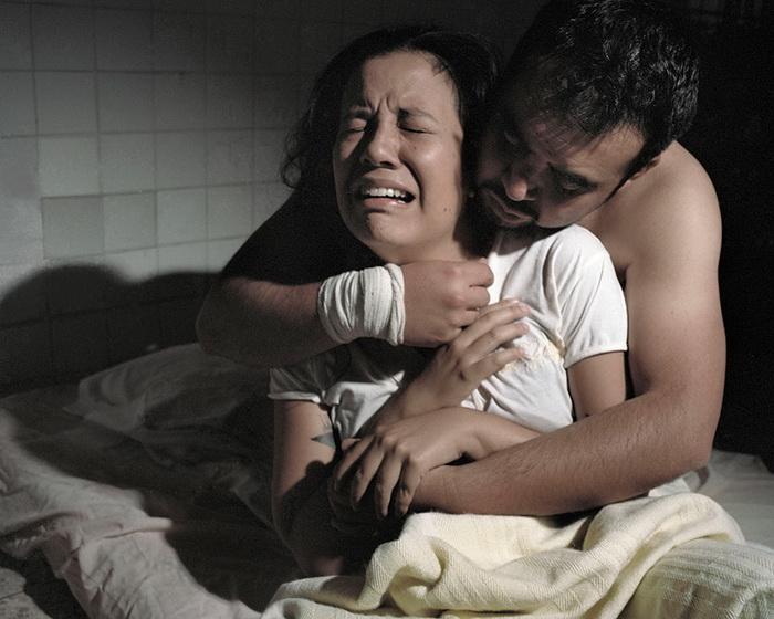 Работники клиники часто насилуют пациенток.