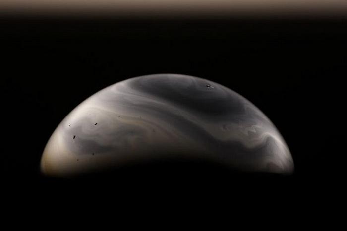 Мыльные пузыри, напоминающие планеты, в фотопроекте Джейсона Тозера