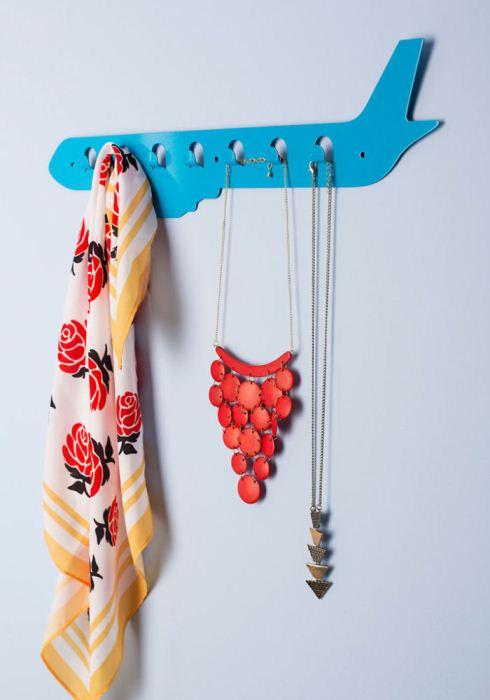 Крючки для одежды в виде самолета