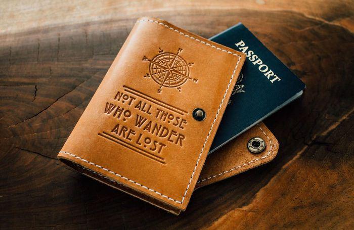 Обложка на паспорт для путешественника