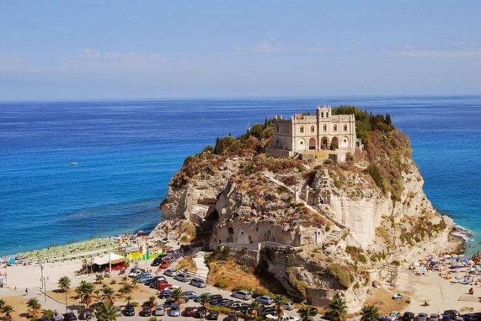 Монастырь Santa Maria dell'Isola
