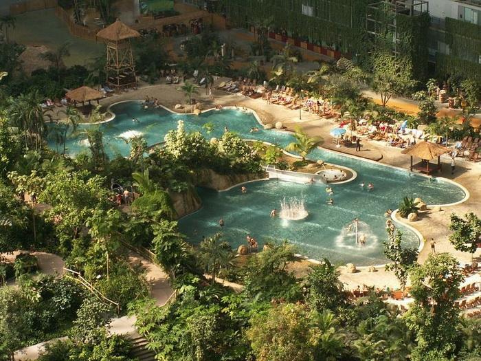 Крупнейший парк развлечений Tropical Islands