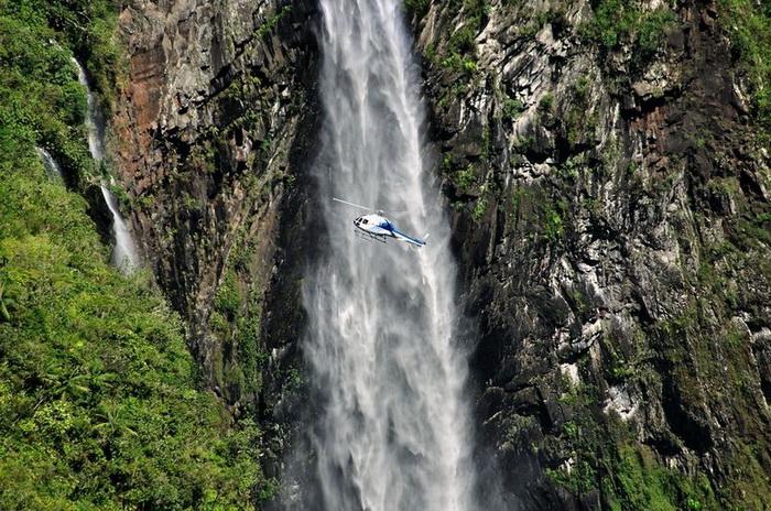 Каньон Тру де Фер знаменит живописными водопадами