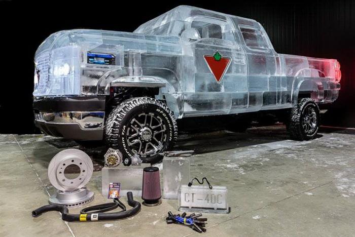Ледяной автомобиль от компании Canadian Tire