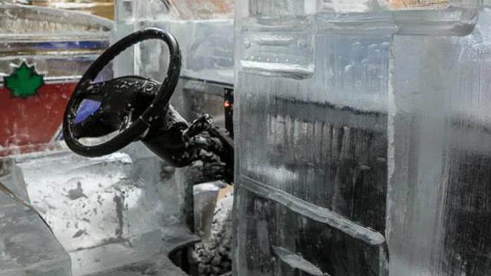 Пикап изо льда