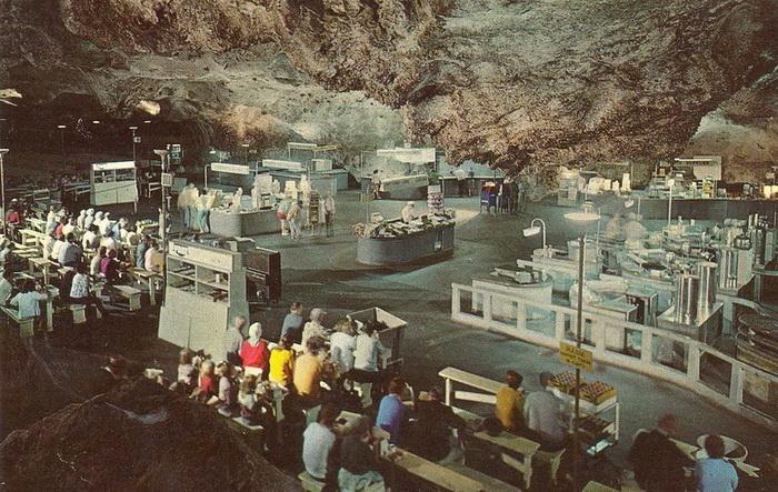 1960-е годы. Карлсбадские пещеры (США)