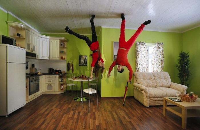 В необычном доме все вверх ногами