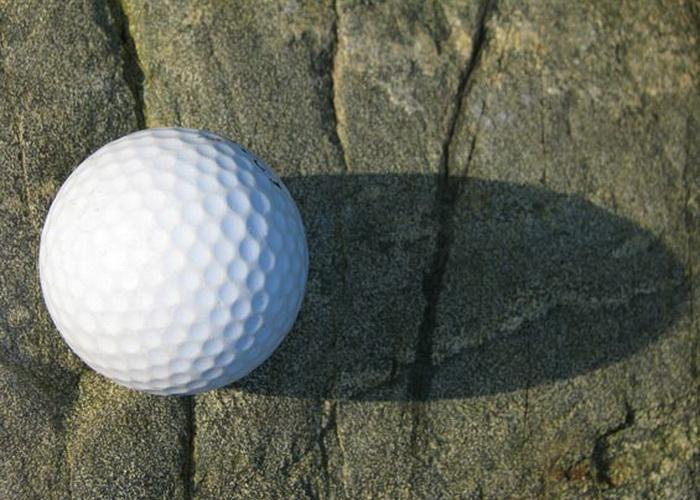 Традиционный мяч слишком травмоопасен для игры в Urban Golf